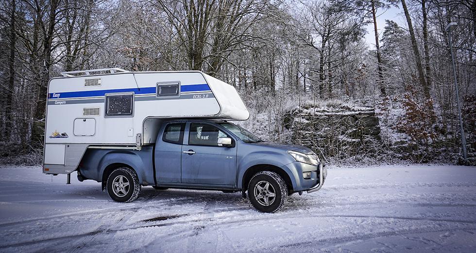 Utbudet av begagnade camperekipage är ganska begränsat. Ofta säljs de i paketpris ihop med en pickup.