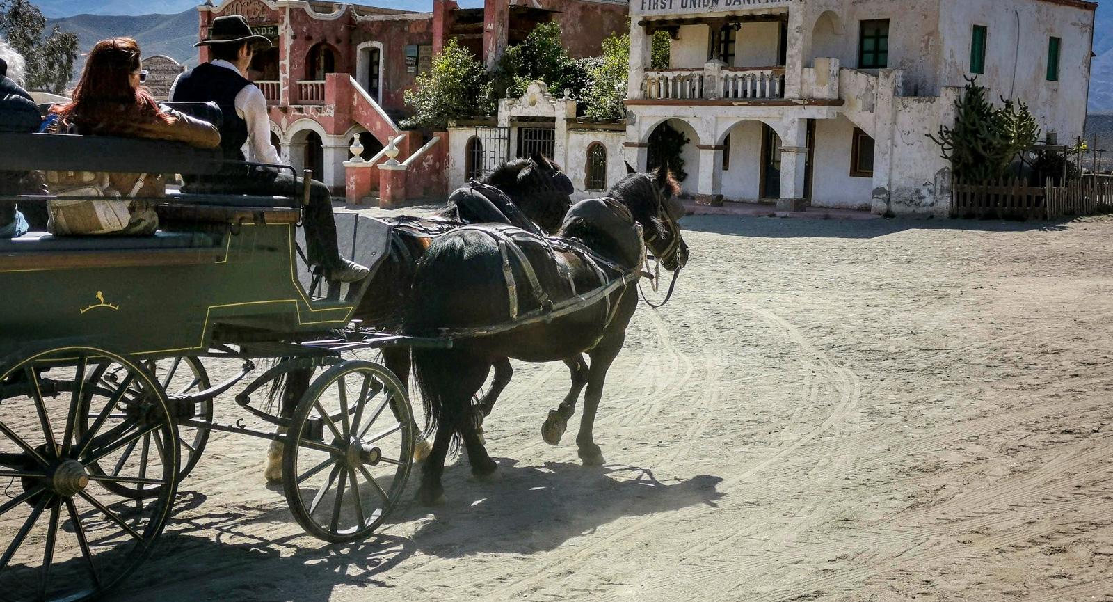 Det ingår en tur med häst och vagn i entrébiljetten.