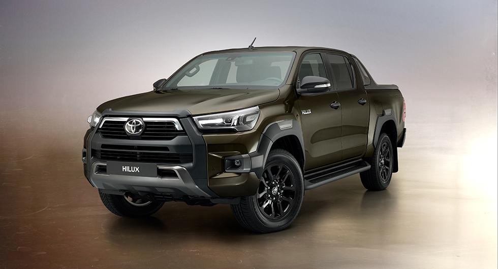 Toyota Hilux är ett begrepp och den har sålts i massor världen över. D-Cab har fyra dörrar som på bilden. Vill man ha större flak finns X-Cab och S-Cab.