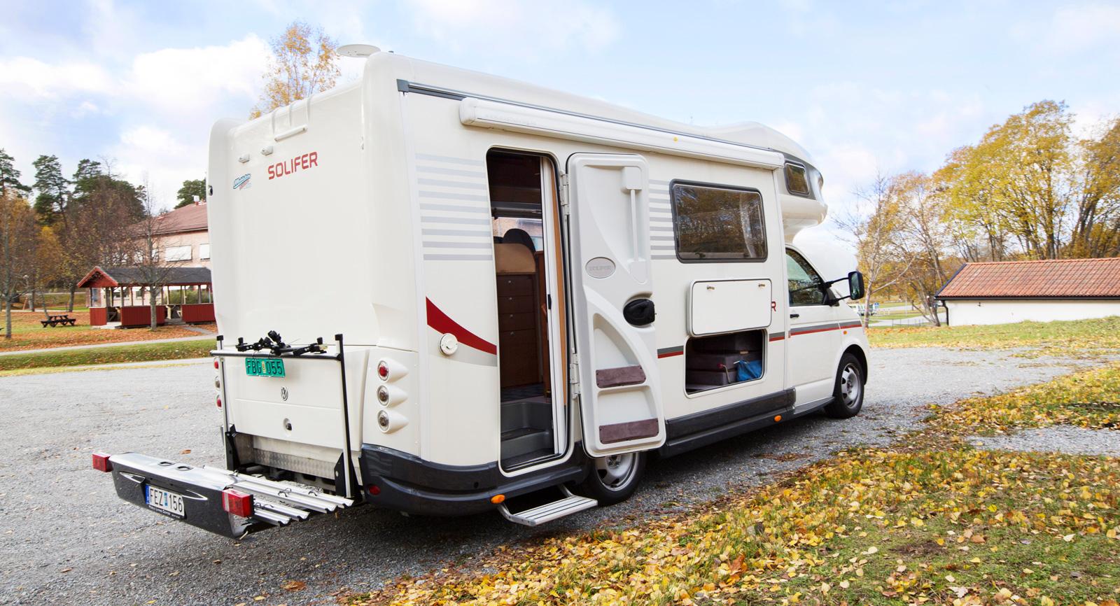 Väg husbilen för att se om lastvikten räcker till cyklar och mc.