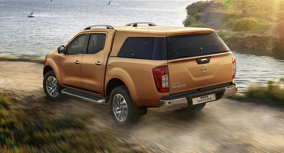 Nissan Navara har sålt bra i Sverige och vill man inte ha Camper på ett tag så finns tillval som lastkåpa. Skydd för dyrbar last.