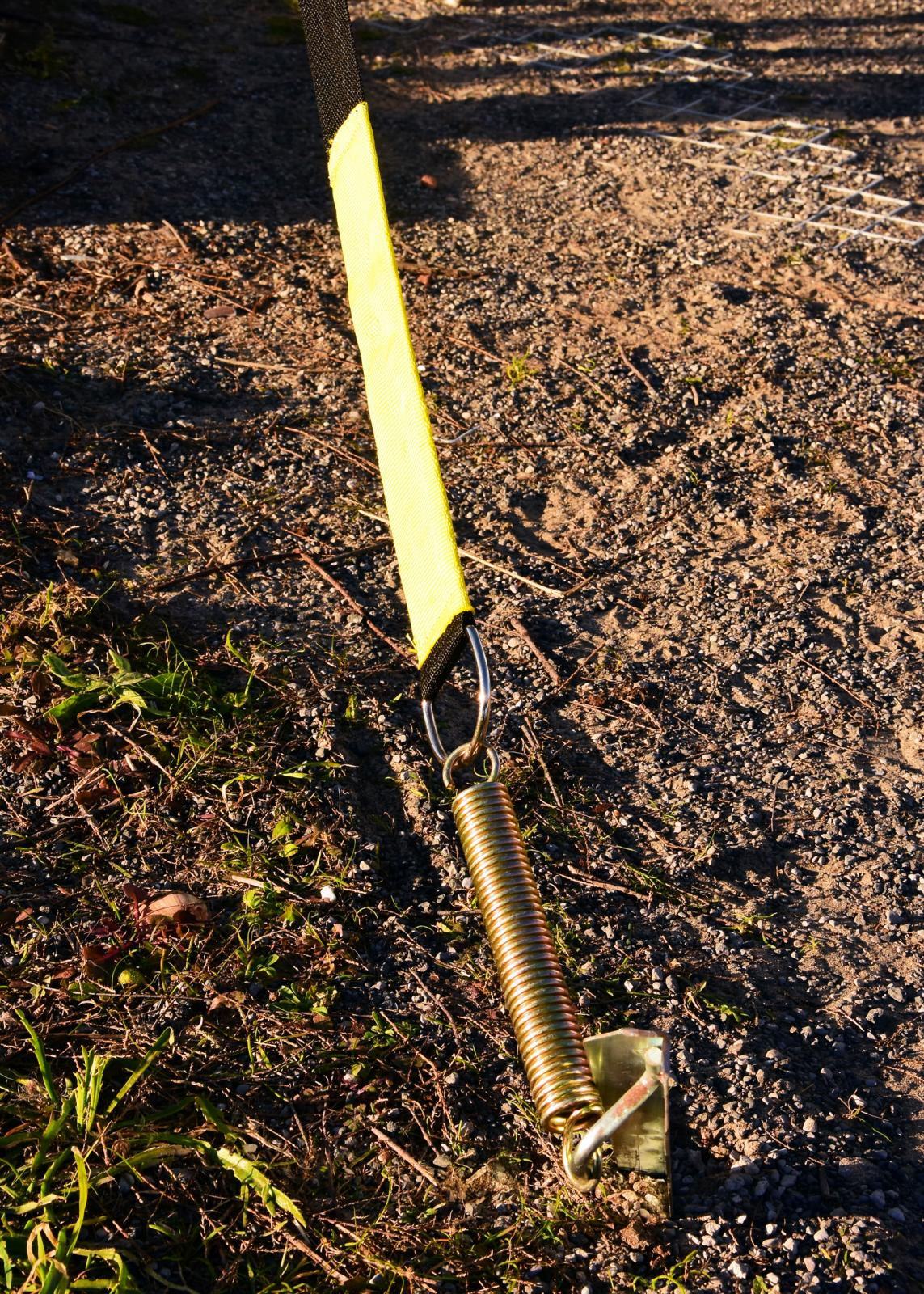 Fjädring är nödvändigt när starka krafter rycker tag i den stora markisytan.