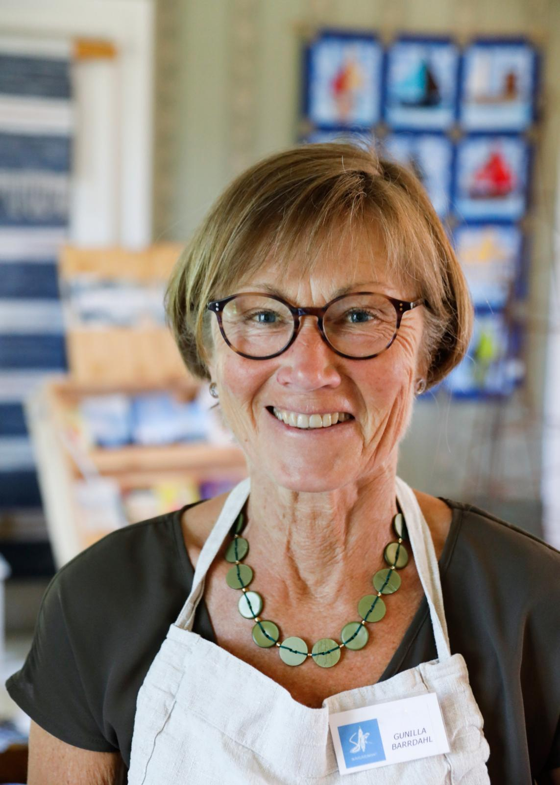 Gunilla Barrdahl är en av 26 hantverkare som bemannar Skärgårdskraft.