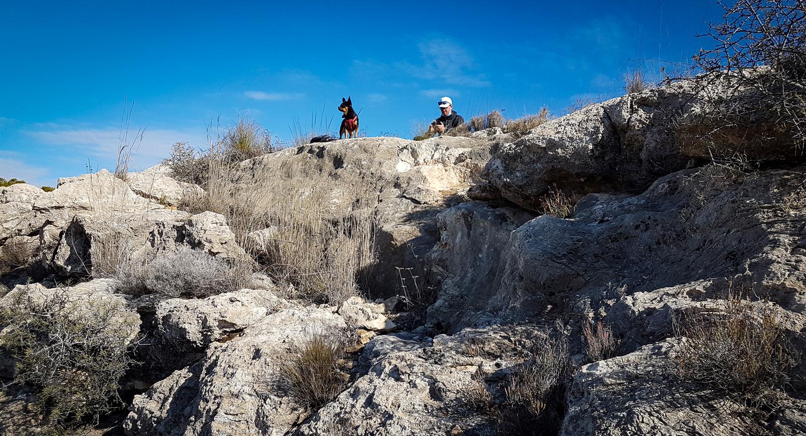 Det finns alltid nya stigar och berg att utforska när man har ett mobilt hem.