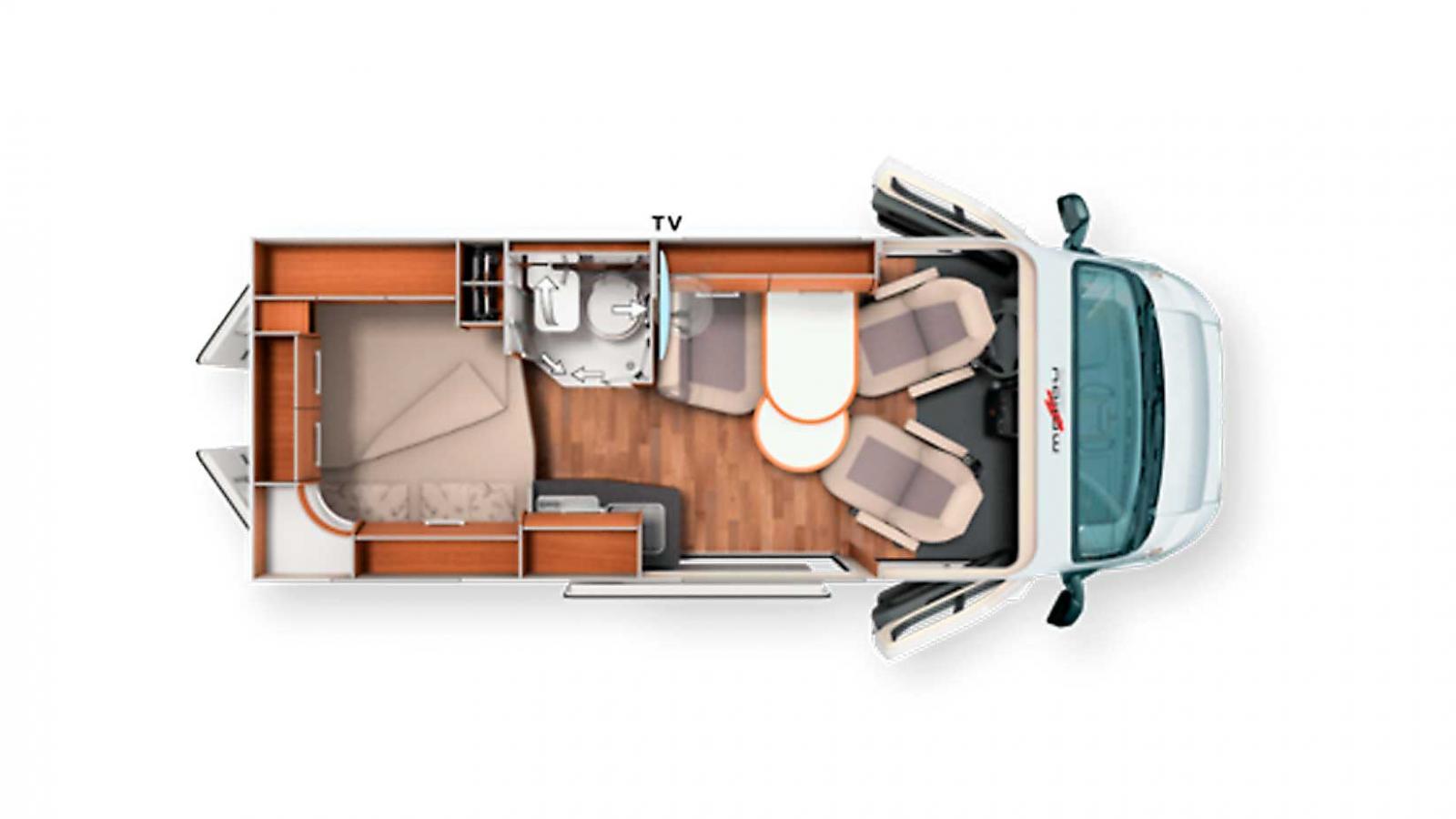 Korta Malibu 540 har golvplacerad kyl och ett mindre badrum. Klädhängare ovanför sängen.