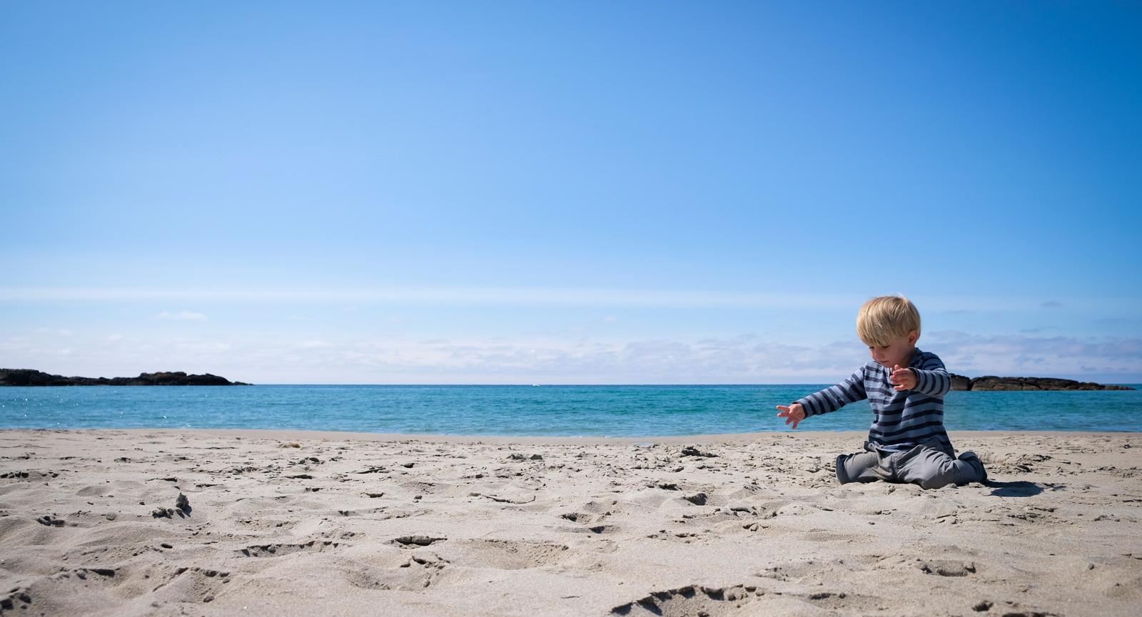 Folktomma stränder med sand av karibisk  kvalitet var en kul överraskning.
