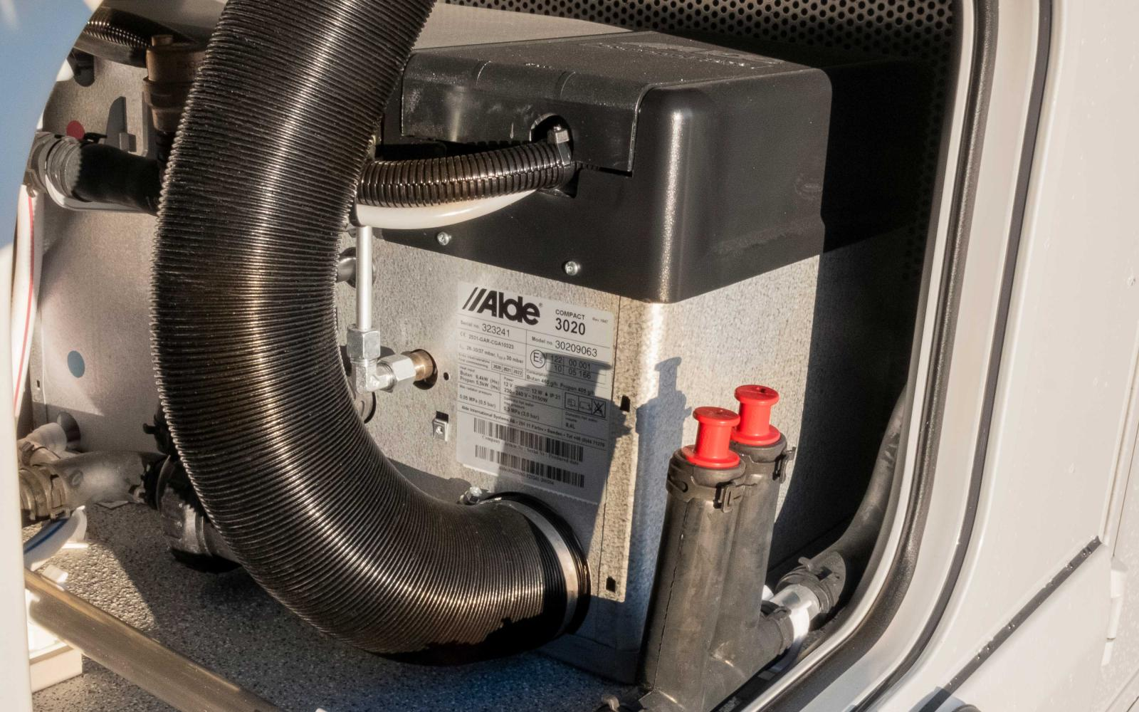 Värmepannan från Alde kan nås via en servicelucka.