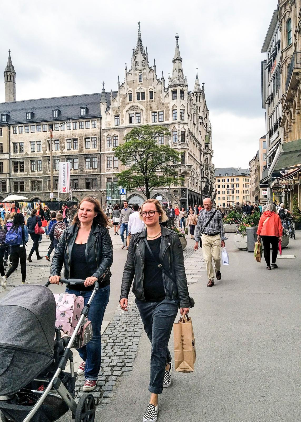 Centrala München sommaren 2019, alltså på den tiden vi sällan såg munskydd på folket i Europa.