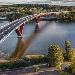 Senarelagda broavgifter i Motala och Sundsvall