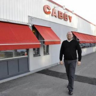 Cabbys rekonstruktion fortsätter