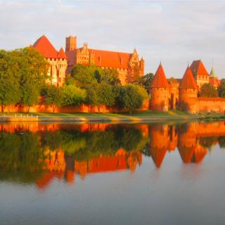 Polska slottet Moszna ett av de vackraste som finns