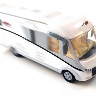 Självkörande leksaksbil utan tillstånd.