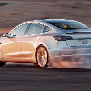 Tillverkas miljöbilar på ett hållbart sätt?