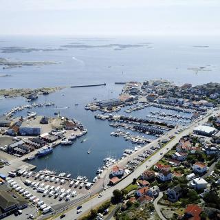 Bild från Hönö Klåva hamn som blev framröstad till Årets ställplats 2019.
