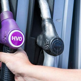 HVO100 får nu tankas i BMW Groups nya bilar