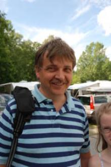 Espen, 49, från Tromsö Norge. Bor i husvagn. -Går till stan eller sitter inne, läser och spelar spel.