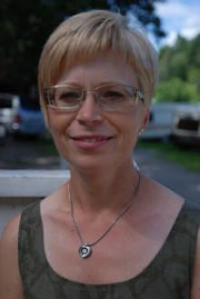 Christina, 43 från Mörrum, Blekinge.Bor I Husvagn. -När man är nära stan kan man shoppa eller gå på museum. Man kan också spela spel.