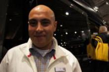 """""""Vi har sålt 7 fordon på mässans första dag"""", sa Arshia Shariat på Westfalia."""
