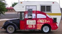 Ett exemplar av minihome står intill Route 66