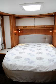 Rapido Queen Bed