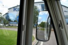 Testpiloten hade svårt med sikten i rondellerna och föreslår en översyn av backspeglarna.