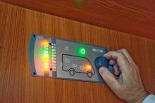 Manöverpanelen ger information om batteriernas kapacitet samt mängden färsk- och gråvatten.