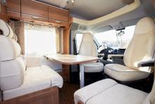 Det finns 16 olika tygkollektioner och två lackeringar att välja mellan till Travel Van.