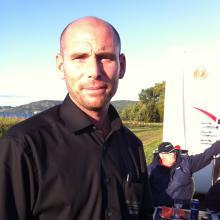 Försäljare Marcus Dolata från Husvagn-Expo i Bromölla, en av de som bjuder klubben på fredagsmiddag.