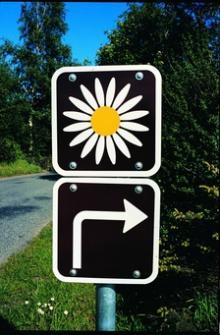 Leta efter dessa skyltar eller ladda ner appen för att kunna hitta natursköna områden.