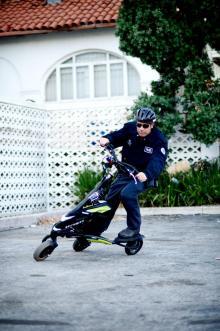 Trehjulig elsparkcykel