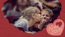 """En """"Kiss Cam""""? Upplösningen visas på en video"""