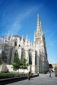 Katedralen St Andre i Bordeaux är en av alla sevärdheter.