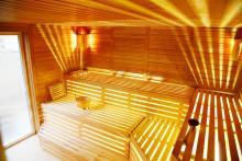 Massage och spa är en av Regenbogens specialiteter. Här finns även torrbastu, finsk bastu, ångbastu och relaxavdelning.