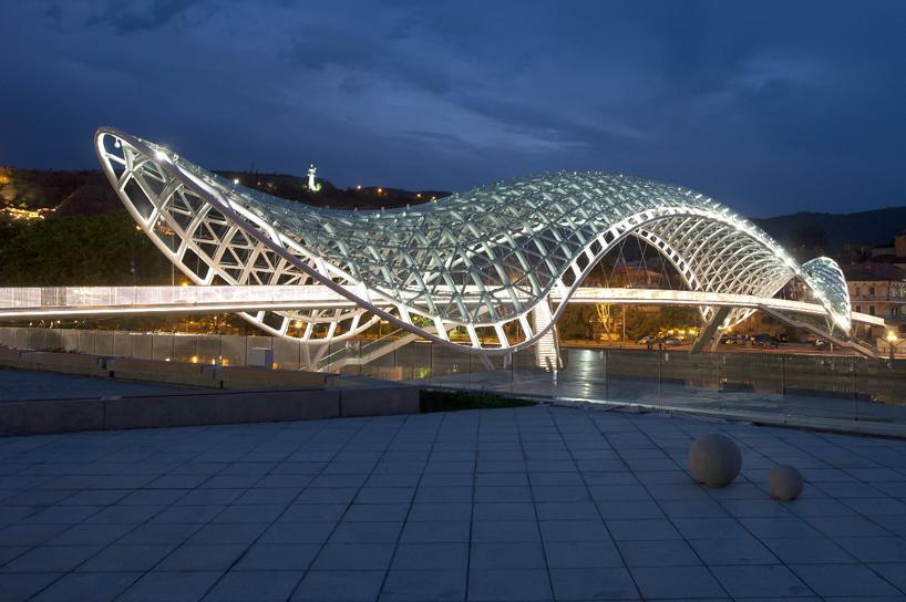tbilisi bridge by aMDL