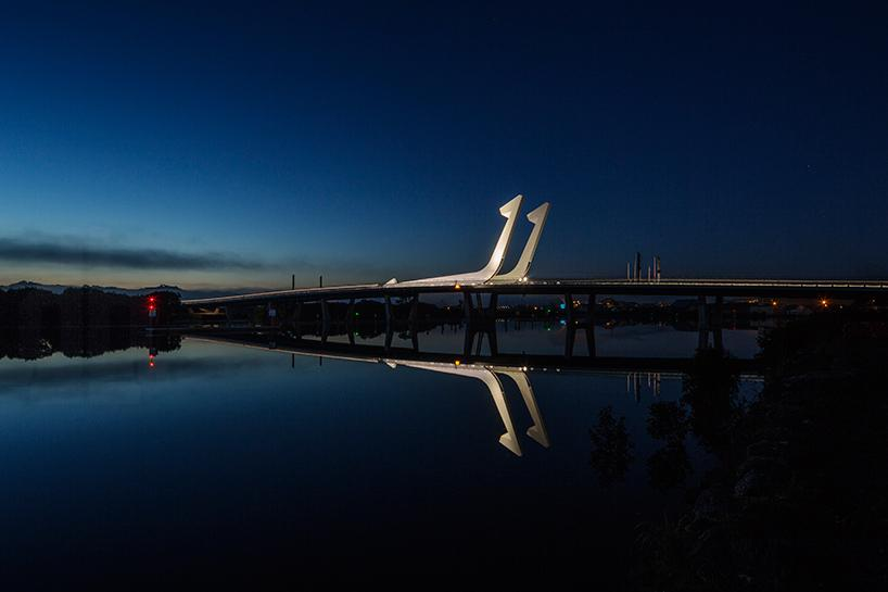 fishhook of pohe bridge by knight architects