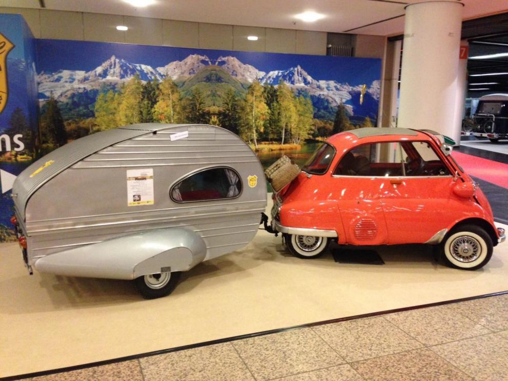 Den allra första Piccolo som producerats. Kan göras om till båt (!). Årsmodell 1954 och chassinummer 001.