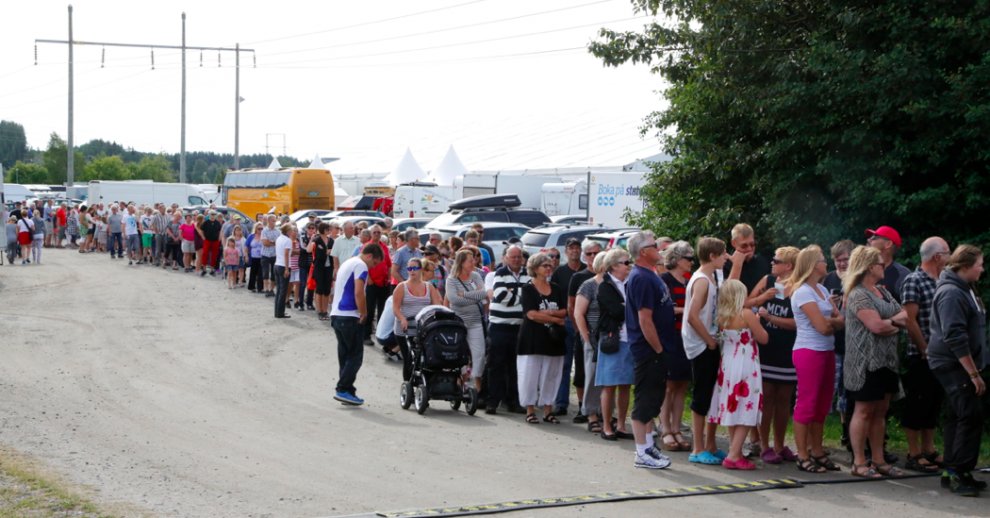 Nolia besöks av hundratusentals personer och kön var lång vid öppning första dagen.