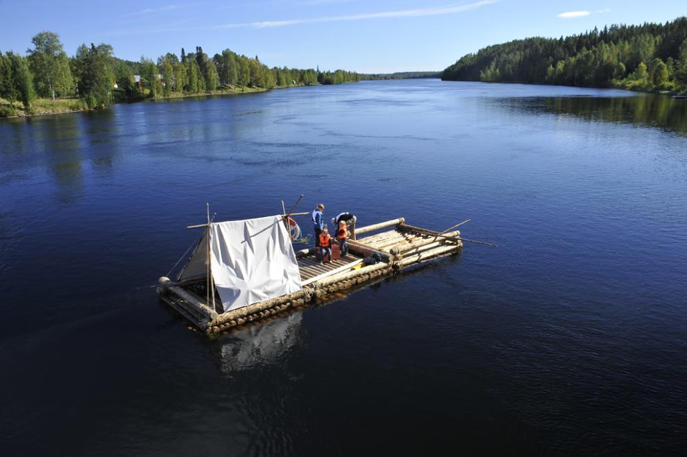 Flotte på Umeälven är en av de aktiviteter som kan förbokas. (Foto: Granö Beckasin)