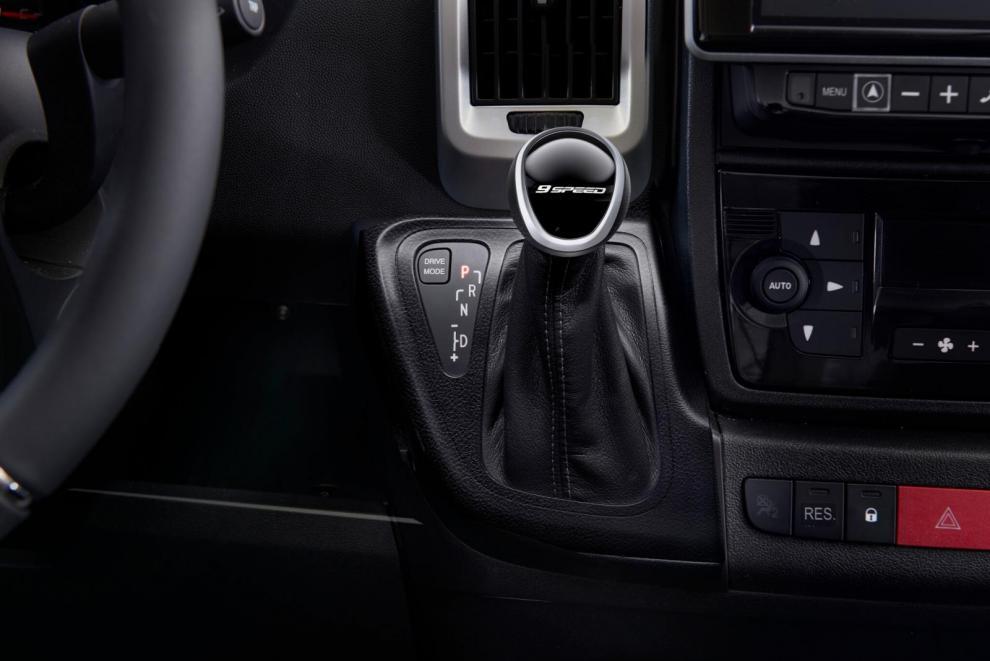 9-stegad automatlåda finns som tillval på Niesmanns bilar som baseras på Fiat Ducato.