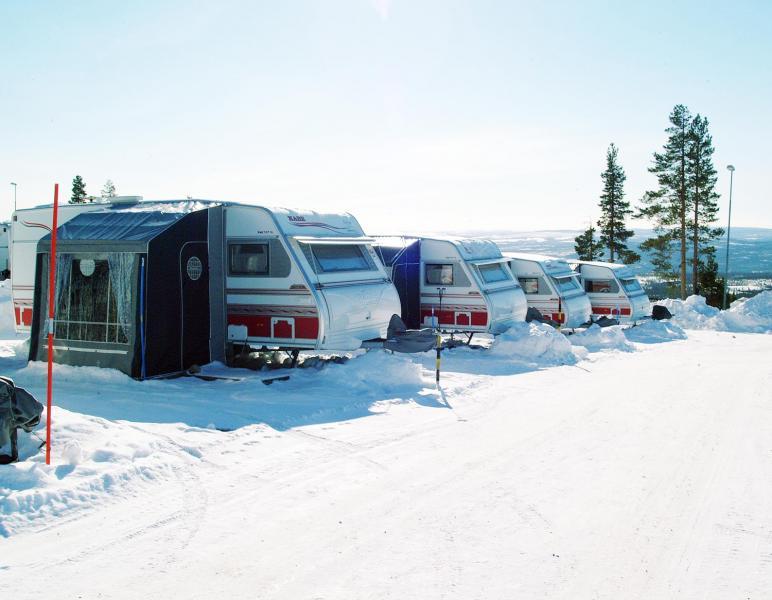 Vintercamping blir alltmer populärt i Sverige