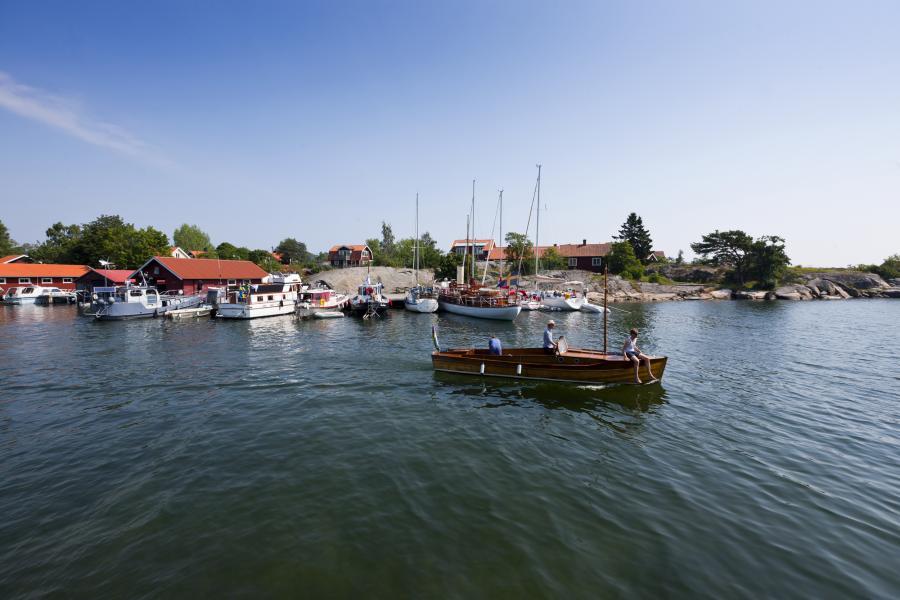 Cyklande turistbyrå tar sig Stockholm runt
