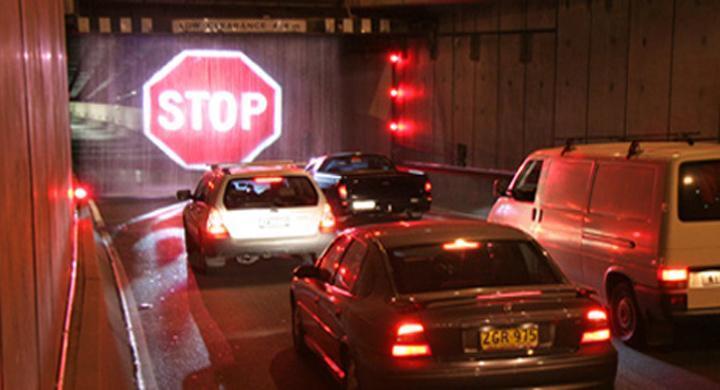 Vattenskylt ska stoppa trafiken