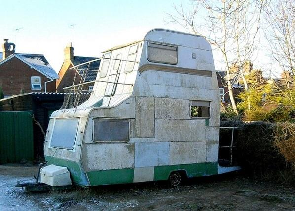 Höjdeffektiv husvagn
