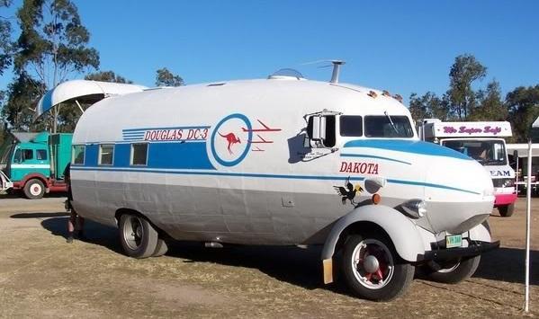 En husbil för flyghistorikern