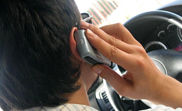Regler för mobil i bil ska skärpas