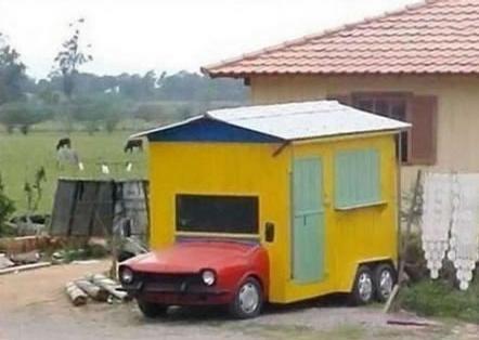 Hus med motorhuv