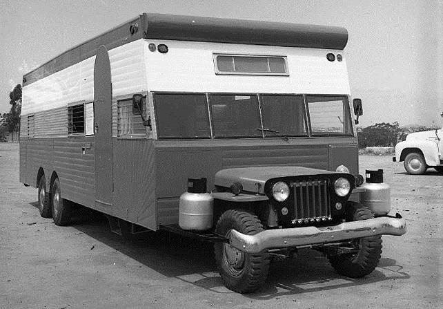 En Jeep husbil från 1950