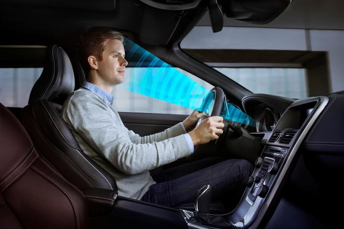 Sensorerna känner igen dig och anpassar bilen till just dig. Dessutom håller den koll på vad du gör, allt för att öka säkerheten.