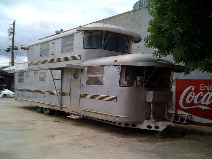 Dubbeldäckad husvagn
