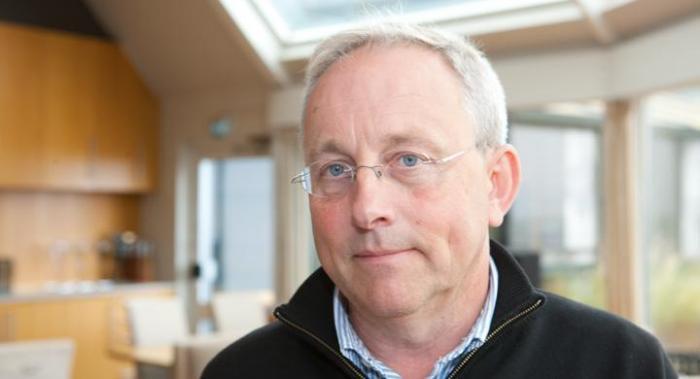 Claes Tingvall har fått MHF:s högsta utmärkelse för sitt arbete med trafiksäkerhet.
